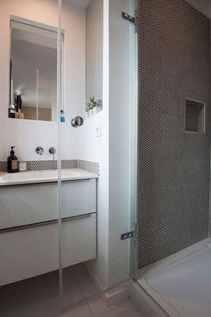 Une salle d'eau avec vue