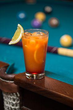 Faça um drink delícia com manga e uísque do bartender Leonardo de Lima Gennari
