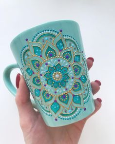 teal/turquoise/gold mandala mug! Dot Art Painting, Ceramic Painting, Painting Patterns, Ceramic Art, Painted Coffee Mugs, Hand Painted Mugs, Painted Cups, Mandala Art, Mandala Painting
