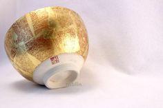 Kutani yaki ware tea bowl Kinpaku sai Akiyama chawan Matcha Green Tea Japanese - tablinstore