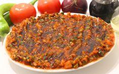 Recept Acili Ezme - horká pasta z tureckého koření - turecké recepty Korn, Dips, Chili, Dip Dip, Oriental, Mexican Kitchens, Turkish Recipes, Red Peppers, Sauces