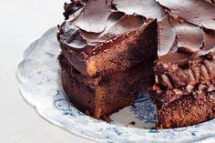 Voor echte chocoholics: fluweelzachte, zoete chocolade in én op de taart. Hiervoor mag je ons wakker maken - Recept - Allerhande