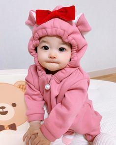 Cute Asian Babies, Korean Babies, Cute Babies, Baby Kids, Ulzzang Kids, Ulzzang Couple, I Want A Baby, Cute Baby Girl, Cute Baby Pictures