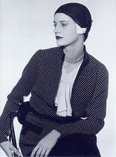 Lee Miller - 1930 - Photo by Man Ray Lee Miller, Man Ray Photographie, John Heartfield, Billy Kidd, Jean Cocteau, Photo Images, Photo D Art, Portrait Photographers, Celebrity Photographers