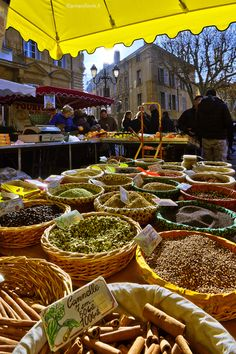 Le marché du Samedi matin à Aix en Provence Aix En Provence, Provence France, Provence Garden, Provence Style, Bouche Du Rhone, Southern France, Antibes, Le Sud, French Countryside