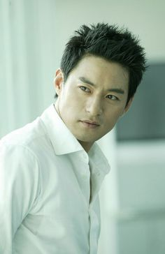 Joo Jin Mo .... and some people (you know who you are) say Asian men aren't attractive.