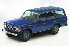 Cars in studio Toyota Lc, Toyota Trucks, Toyota Hilux, Escape Velocity, Luxury Suv, Station Wagon, Toyota Land Cruiser, Car Ins, Scale Models
