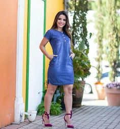 over 50 « Fashion Desinger Jean Dress Outfits, Skirt Outfits, Stylish Outfits, Demin Dress Outfit, Denim Fashion, Look Fashion, Fashion Outfits, 50 Fashion, Fashion Desinger
