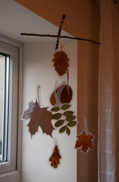 Leaf Mobile Craft from WildSchools