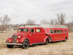 1938 Chevrolet Custom Truck with a customized horse trailer. This combination… Camper Caravan, Truck Camper, Camper Trailers, Cool Trucks, Big Trucks, Chevy Trucks, Classic Campers, Classic Trucks, Car Trailer