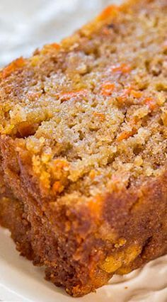 Apple Carrot Bread Recipe (Easy & So Good!) - Averie Cooks : Carrot Apple Bread This apple carrot bread tastes like carrot cake that's been infused with apples. It's a no mixer recipe that goes from bowl to oven in minutes! Easy Bread Recipes, Apple Recipes, Sweet Recipes, Cake Recipes, Dessert Recipes, Cooking Recipes, Quick Bread, Cooking Tips, Loaf Recipes