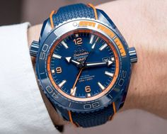 Hands-On with the new Omega Seamaster Planet Ocean Big Blue Ceramic GMT. Even the two crowns, the buckle, and the dial are in ZrO2 ceramic. With a water resistance of 600 meters and the latest METAS-certified in-house movement..-