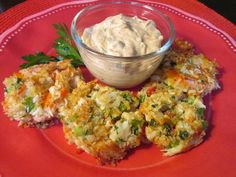 This appetizer from The Cheesecake Factory has a light and delightfully crunchy texture. Learn how to recreate it with this copycat recipe from Todd Wilbur. Top Secret Recipes, Wine Recipes, Cooking Recipes, Chef Recipes, Restaurant Recipes, Seafood Recipes, Appetizer Recipes, Appetizers, Crab Cake Sauce