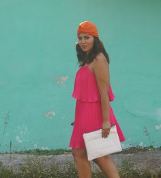 Ideas to coordinate a turban and make it a vibrant pop with any outfit. pink dress and orange turban