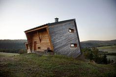 Rustic Cabin Sanctuaries Hidden within the Tranquil Wilderness - My Modern Met