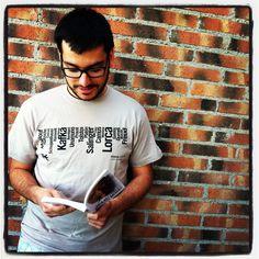 Si compras 2 libros de bolsillo en la caseta 318 de la #FeriadelLibrodeMadrid te llevarás esta camiseta.