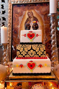 A vibrant calavera (sugar skull) wedding inspiration shoot at the Maitland Art Center // photos by In Style Imagery: http://www.InStyleImagery.com || see more on http://www.artfullywed.com
