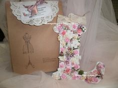Letter decorative flowers