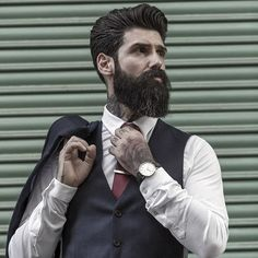 Men's Fashion tips. Dress with dapper and wear the proper attire with our men's style guide. Find male grooming advice, the best menswear and helpful tips. Bald Men With Beards, Bald With Beard, Great Beards, Mens Style Guide, Men Style Tips, Professional Beard Styles, Medium Beard Styles, Proper Attire, Man Images