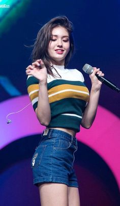 dedicated to female kpop idols. Korean Girl Fashion, Blackpink Fashion, Sexy Asian Girls, Beautiful Asian Girls, Beautiful Wife, Korean Beauty, Asian Beauty, South Korean Girls, Korean Girl Groups
