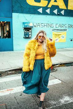 15 ideas fashion winter boho chic faux fur for 2019 Fat Fashion, Curvy Fashion, Plus Size Fashion, Boho Fashion, Winter Fashion, Trendy Fashion, Mustard Yellow Coat, Maxi Skirt Winter, Fur Coat Outfit