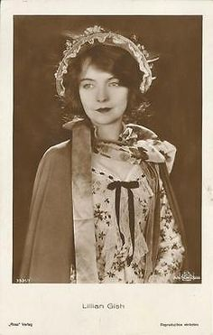 comparing and contrasting lillian gish and Like isadora duncan, loïe fuller and mary wigman, ruth st denis (1879–1968) is considered one of the matriarchs of modern dance.