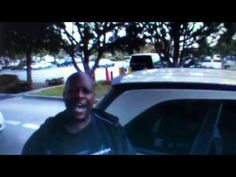 Gas Station Karaoke - YouTube This is so great!