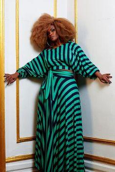 green and navy stripe circle skirt – onion Curvy Girl Fashion, Black Women Fashion, Look Fashion, Plus Size Fashion, Fashion Outfits, Womens Fashion, Swag Fashion, Fashion Fall, Fashion Pants