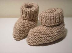 FACILE : modèle chaussons bébé, niveau débutante (se font en une soirée)