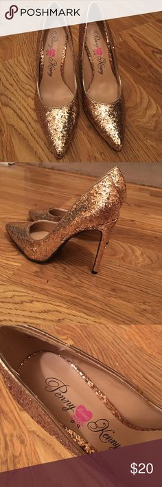 Penny Loves Kenny gold glitter pumps Gold glitter pumps. 3 inch heels Penny Loves Kenny Shoes Heels