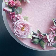 Геометрию предыдущего фото вы не оценили, возвращаемся в привычное русло)))) #сахарныецветы #sugarflowers #pink #chocolatevelvet