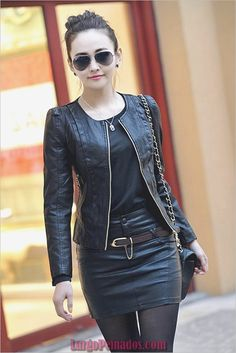 8 Sophisticated Ways To Wear Leather Jacket That Look Chic Any Time - Femalinea Kimono Lingerie, Urbane Mode, Moda Rock, Winter Leather Jackets, Leather Jackets For Women, Womens Black Leather Jacket, Fall Jackets, Leather Jacket Outfits, Leather Skirt