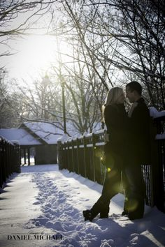 Gorgeous winter engagement photography! #winterwedding #cincinnatiwedding