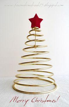 Albero di Natale in filo metallico