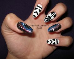 Star Wars Nails.  Yes we can all have them.  This is not too hard to do-at least the storm trooper isn't  ;)