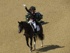 Charlotte Dujardin and Valegro – London 2012 Grand Prix Dressage
