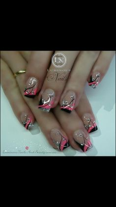 Want but in diff color #pretty #nails #designs