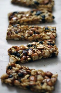 homemade KIND bars with dried blueberries | withloveandcupcakes.com