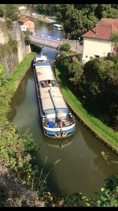 ... Barge Boat, Canal Barge, Canal Boat, Trailerable Houseboats, Dutch Barge, Floating House, Narrowboat, Boat Tours, Speed Boats