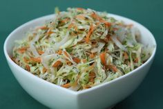 Pots and Frills: Basic White Cabbage Salad--Polish Cuisine Classic. Served this to the kids aged grade and they ate every bit of it. I love the addition of dill. Indian Salads, Indian Food Recipes, Ethnic Recipes, Carrot Salad, Cabbage Salad, Mediterranean Diet Recipes, Cabbage Recipes, Family Meals, Salad Recipes