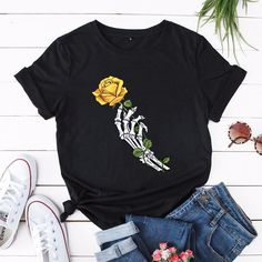 Women's Skull Hand Rose Floral Print Short Sleeve Tshirt 10 Colors #womenstops #skulltshirts #skullclothing Tees For Women, Clothes For Women, Yellow Marble, Skull Hand, Green And Grey, Pink Black, Cheap T Shirts, Summer Tshirts, Floral Prints