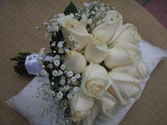 Bouquet de madrina, realizado con vendelas y gypsophillas.