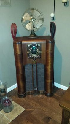 Antique 1931 Brunswick Model 15 Antique Tube Radio Lowboy