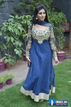 Hot And Sexy Pics Of Actress Shamili