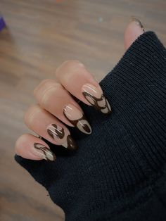 Minimalist Nails, Nail Swag, Stylish Nails, Trendy Nails, Hair And Nails, My Nails, Brown Nails, Brown Nail Art, Black Gel Nails