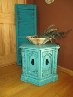 Turquoise Painted Accent Table / Side Table / End Table / Nightstand / Vintage Table (Hexagon)