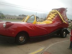 If only I had this Mc Donalds shoe car thingy. I Lov It!