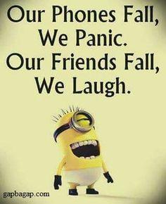 Funny Minion Joke – Phones vs. Friends… - Funny Minion Joke – Phones vs. Funny Minion Pictures, Funny Minion Memes, Funny Disney Memes, Funny School Jokes, Minions Quotes, Crazy Funny Memes, Really Funny Memes, Funny Jokes, Minions Pics