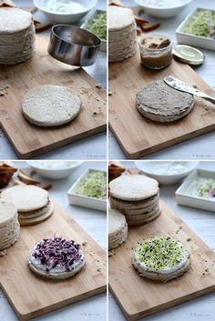 Pain surprise printanier Panini Bread, Panini Sandwiches, Pain Surprise, Plates, Tableware, Food, Noel, Licence Plates, Dishes