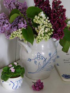 Husmannsplassen i Hidlesundet: Koselige Rørstrand-krukker